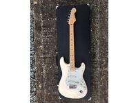 Fender Stratocaster w/ upgrades Warmoth Hipshot white