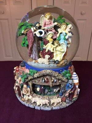 (Large NATIVITY Scene Beautiful Christmas SNOW GLOBE Rotating Bottom Music Box)