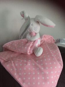 MOTHERCARE BUTTERFLY FIELDS BUNNY RABBIT COMFORTER  SOFT HUG TOY PINK NEW