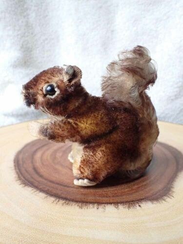 CUTE Vintage Steiff Mohair SQUIRREL 4""
