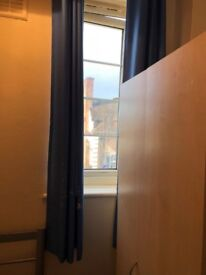 >>LOVELY SINGLE ROOM AVAILABLE JUST 4MINS BY WALK TO WHITTON RAILWAY STATION.