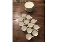 WOW! 12 BRAND NEW WEDGWOOD SIGNET PLATINUM COFFEE CUPS AND SAUCERS WORTH £360!
