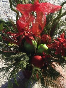 FRESH HOLIDAY ARRANGEMENTS TO ORDER