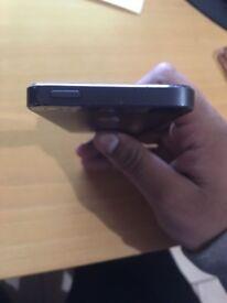 Apple iPhone 5 On Black Vodafone 16gb
