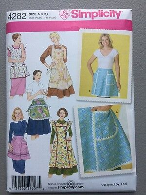 Simplicity Sewing Pattern 4282 Ladies  Vintage Style Aprons with Pockets New