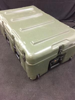 Hardiggpelican Wheeled Shipping Case 33x21x12 Pressure Relief Excellent Cond.
