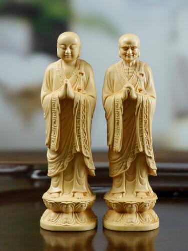 LS043 -- 10 x 3x 3 CM Carved Boxwood Figurine : 2 Buddist Monks