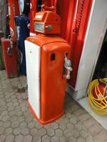 ****1950's Bennett...Key Lock Gas Pump..Supertest****