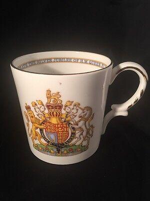 Aynsley Kings And Queen Silver Jubilee Oqueen Elizabeth Royal Memorabilia Cup