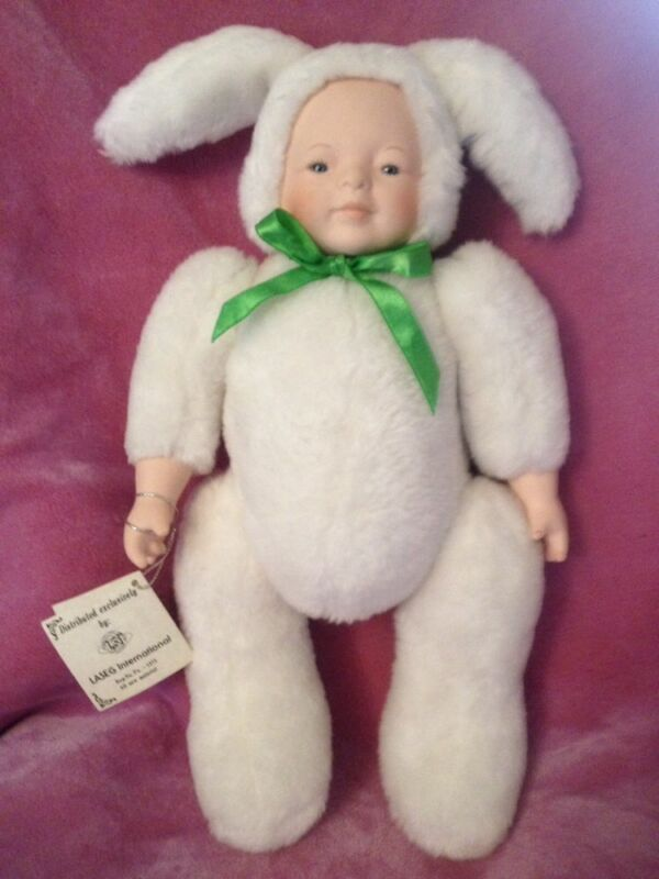 Anne Luree Cuddle Bunny Doll Music Box Playing Tura Lura Lural Easter