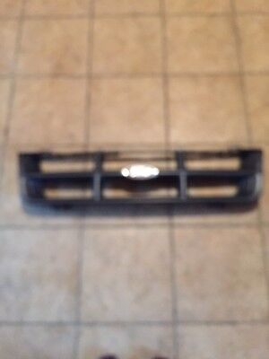 Front Grille 1998-2000 Ford Ranger 2Wd 4Wd Grille With Emblem.