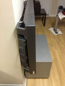 Sony Plasma 42Inch Flat Screen, Very Clean condition, needs Bulb West Island Greater Montréal image 3
