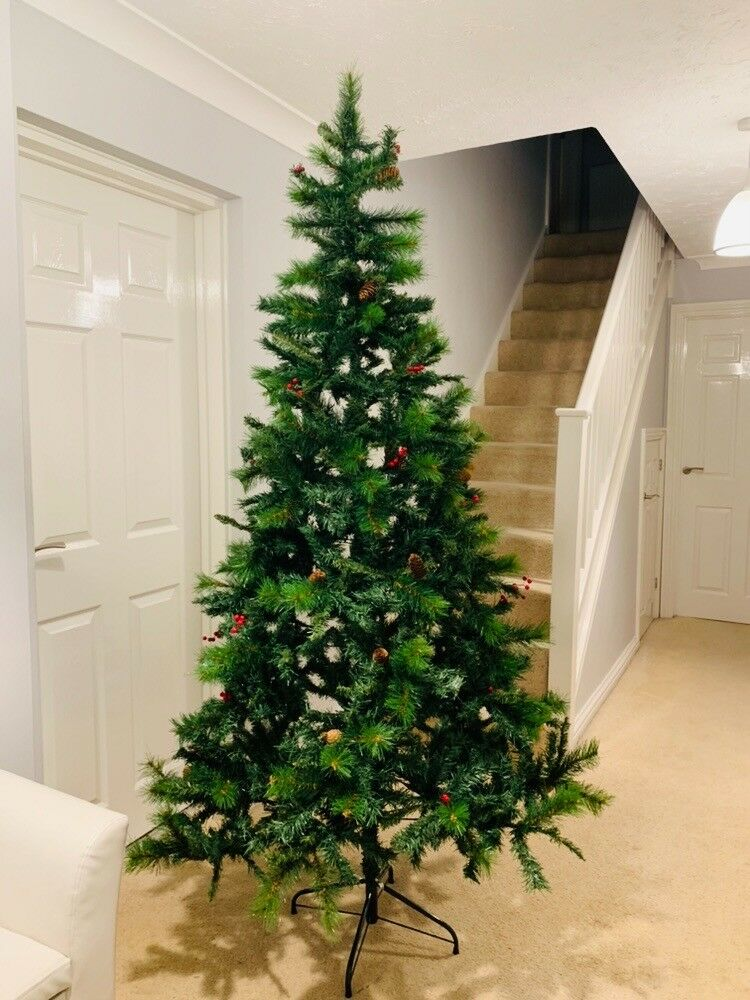 best sneakers 7ddb9 4acad Unused Argos 7ft Berry and Cone Christmas Tree | in Dibden Purlieu,  Hampshire | Gumtree