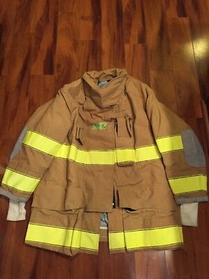 Firefighter Turnout Bunker Coat Globe 47x35 Halloween Costume 2004 Euc