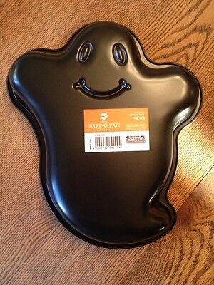 Spooky Halloween Baking (Kaiser Ghost Cake Baking Pan HALLOWEEN Boo Friendly Scary Casper)