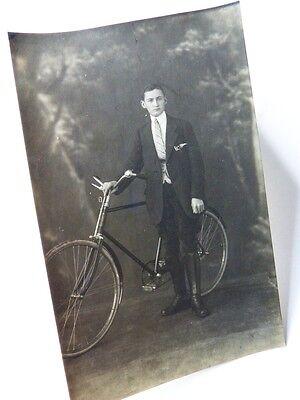 alte AK  junger Mann mit Fahrrad Presto ??