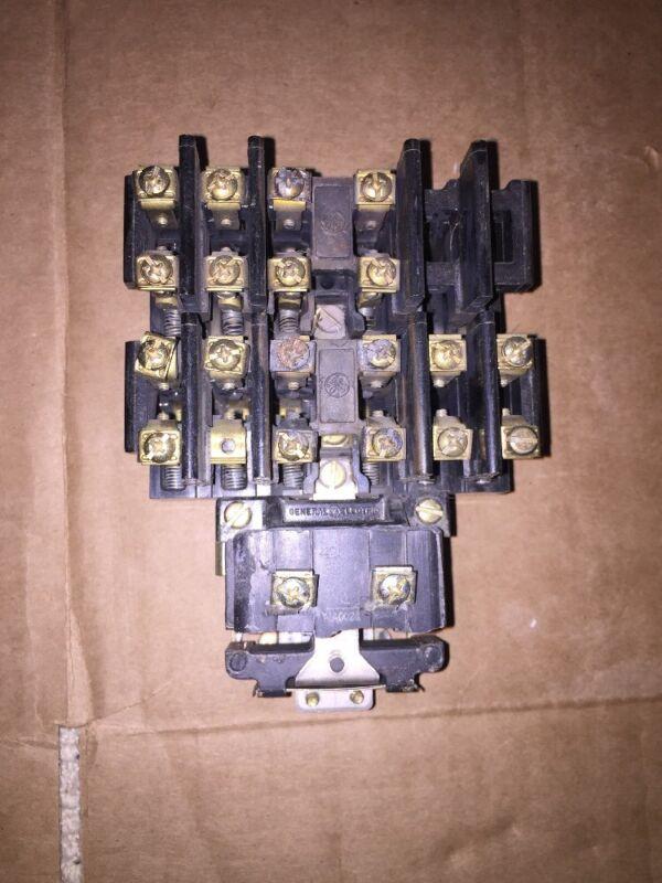 General Electric  CR260L20LA Lighting Contactor