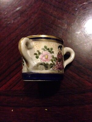 Fabulous Antique Chinese 3 Handled Miniateure Cup - Tyg