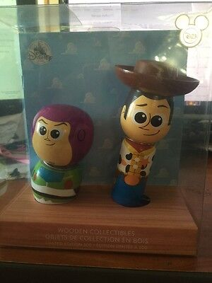Disney Store D23 Expo EXC Toy Story Buzz Lightyear und Woody Figur Holz LE300 ()