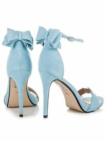 Amazing heels!