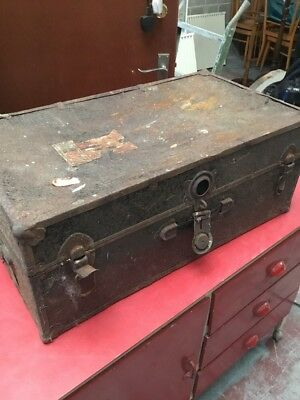 VINTAGE TRAVEL TRUNK LUGGAGE CHEST WITH CUNARD LABEL Terrible Condition