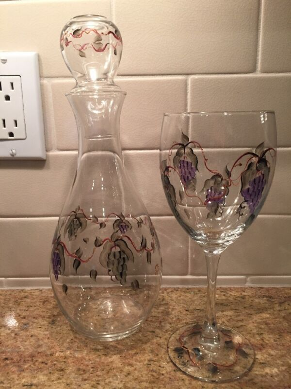 Glass Wine Decanter Hand Painted with 4 matching wine glasses GRAPES