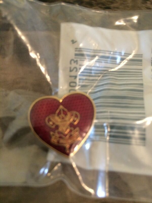 BSA Red Enamel Mothers Heart Life Rank Pin