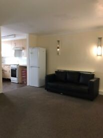 VERY NICE 3 BEDROOM FLAT IN ILFORD LANE FOR £1450 *DSS ACCEPTED*