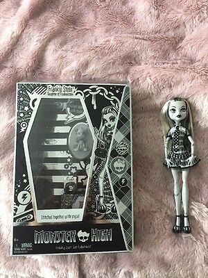 Monster High SDCC Frankie Stein Black And White 2010 Con Exclusive