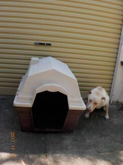 Dog kennels good condition