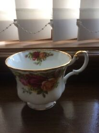 ROYAL ALBERT OLD COUNTRY ROSES CUP (ONLY 1)