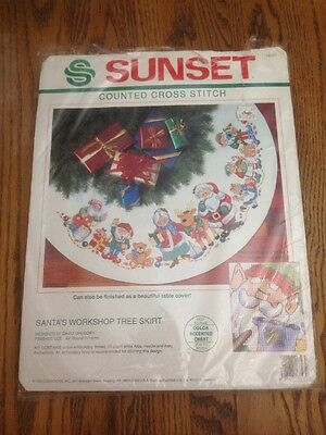 Dimensions Sunset Counted Cross Stitch Tree Skirt Kit 18347 Santas Workshop Rare