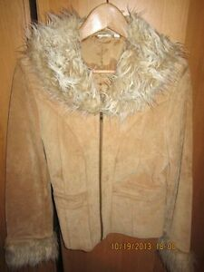 ladies suede jacket Kitchener / Waterloo Kitchener Area image 1