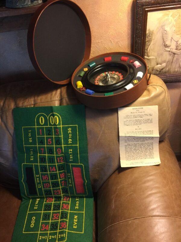 Roulette Wheel Game Vintage Royal Gambling Felt Mat Chips Ball Dice Case Instruc