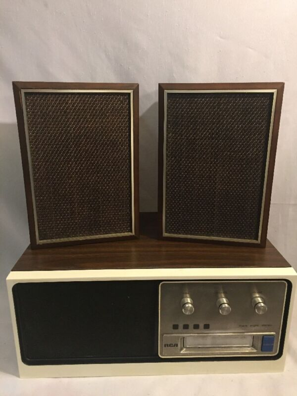 Vintage RCA Mark Eight  8-Track Model YVD990W & Speakers RARE NOT TESTED
