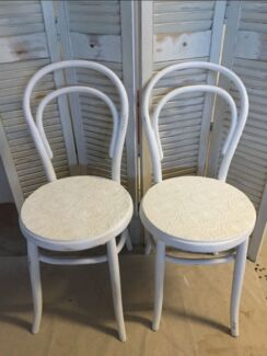 X1 Antique Bentwood Chair in white