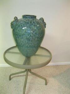 BEAUTIFUL GREEN SPECKLED LARGE VASE
