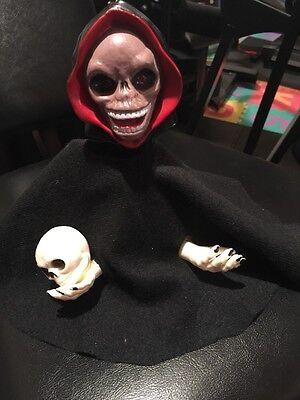 Vintage Anitmated Sonic Control Halloween Figurine Skeleton Ghoul Holding  Skull
