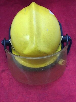 Cairns Fire Fighter Adjustable Helmet Turnout Gear Yellow Wvisor Unit 1