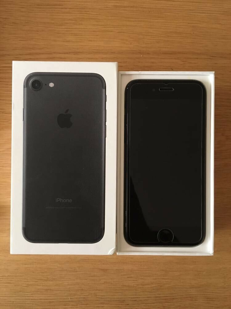 iPhone 7 Black 32GB - Unlocked - Top Condition