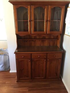 Hutch / Buffet Or Display Cabinet (Can Deliver)