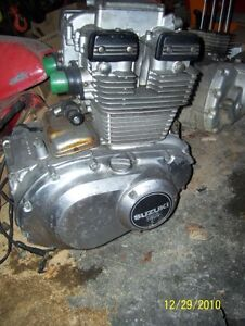 Suzuki GS400 engine running