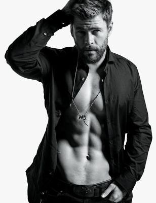 Chris Hemsworth Poster 24Inx36in  61Cm X 91Cm  C