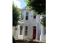 ** 2 lovely double bedrooms available in 5 bedroom property **