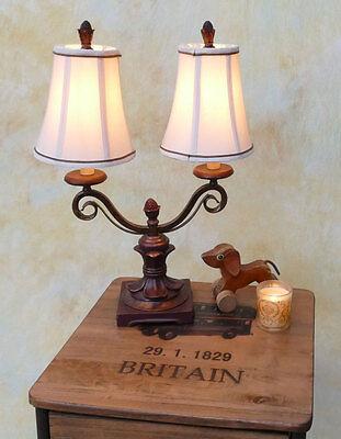 Tischlampe Lampe Tischleuchte 2-armig Landhaus antik Optik Stoffschirm PQ013-a