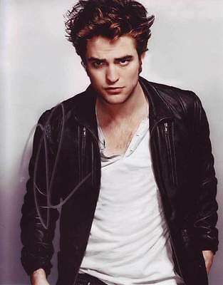 Robert Pattinson In Person Authentic Autographed Photo Coa Sha  73411