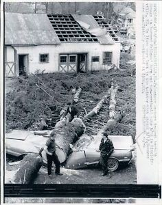 1969-Great-Shot-Smashed-Car-Tornado-Damage-Sinclairville-NY-Wire-Photo