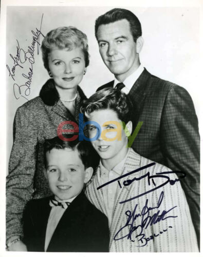 Leave It To Beaver Cast Autographed Photo BARBARA BILLINGSLEY TONY DOWN JERRY MA