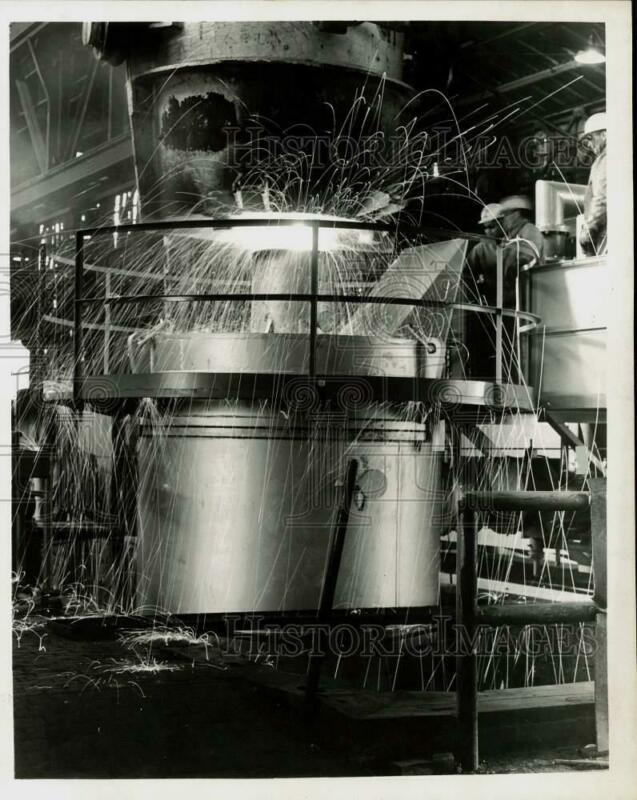 1964 Press Photo New vacuum degassing unit at one of Armco Steel Corp.