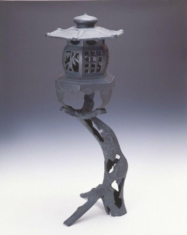 Toro Japanese Bronze Lantern Takaoka Craft Old tree motif BlueBlack 17202 Japan